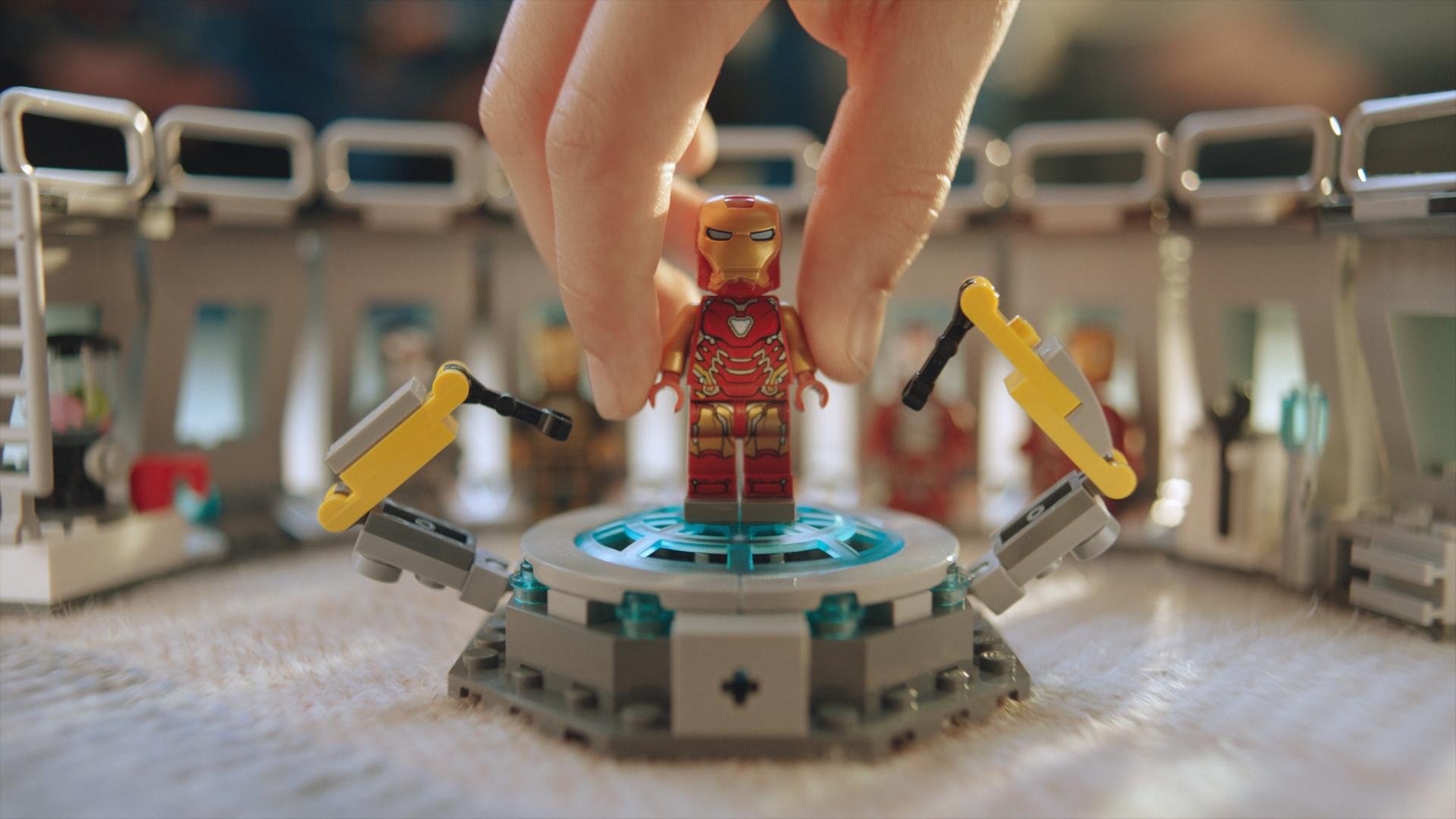 LEGO_SH_Avengers_Cinema_TVC_16_9_1HY19_IN_IT_30s_58107.mov.00_00_16_16.Still004